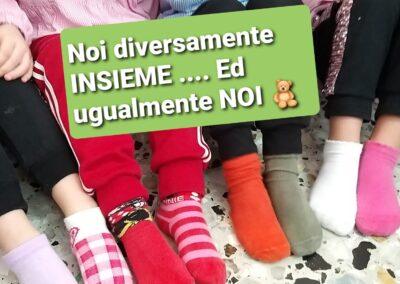 Giornata dei calzini spaiati per la diversità